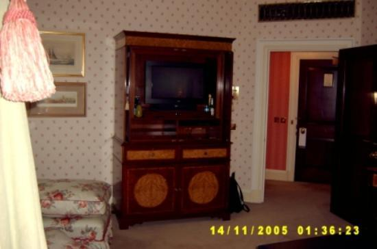 The Dorchester: TV Cabinet - Deluxe King Room