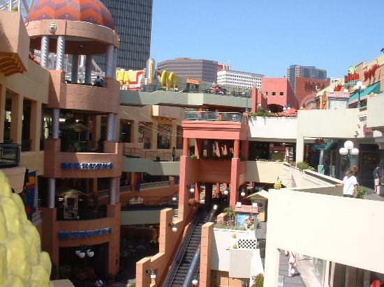 Westfield Horton Plaza Stores and Hours Located in the heart of downtown San Diego, Westfield Horton Plaza has firmly established itself as an iconic community landmark and one of the most successful urban shopping centers in the United States.