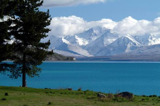 Lake Tekapo, Nieuw-Zeeland: Looking out from the church