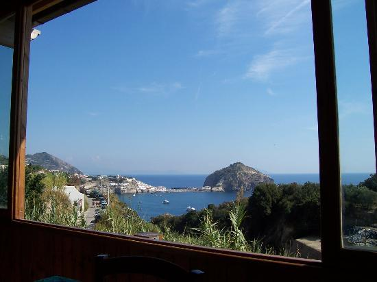 Residence Baia di Sorgeto: View from the nearest restaraunt