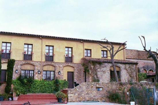 Castell de Peratallada : La Riera Hostal Restaurant
