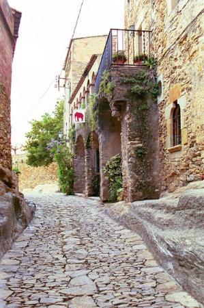 Castell de Peratallada : Streets of Peratallada