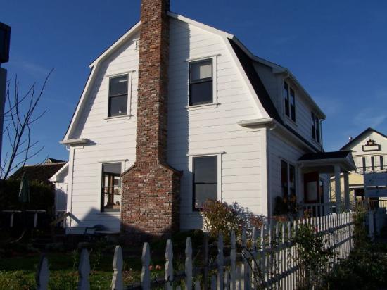Blue Heron Inn: Exterior View
