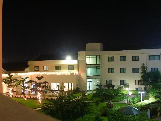 Fiesta Royale Hotel: At night, view from the room