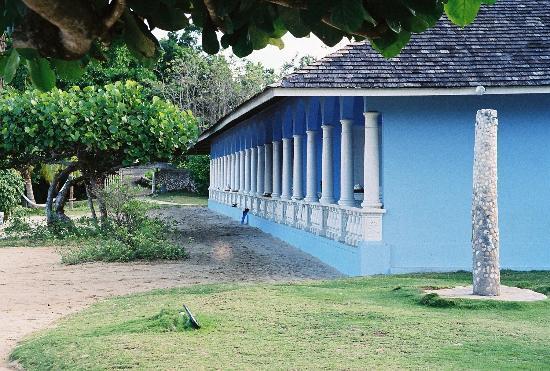 Jamaica Inn: Beachfront villas