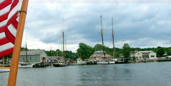 The Whaler's Inn: Mystic Seaport