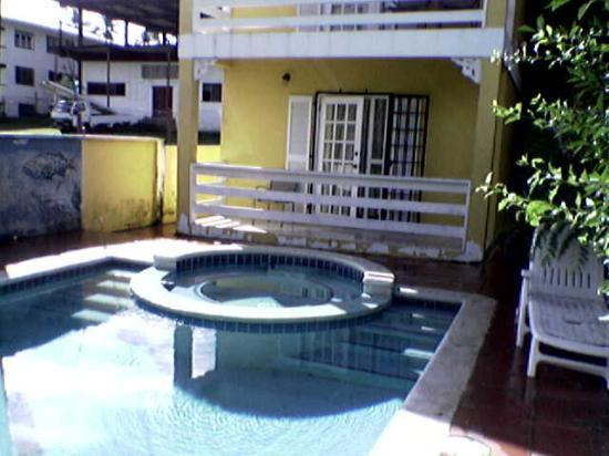 Spence Holiday Resort & Spence Terrace: Apt/Pool