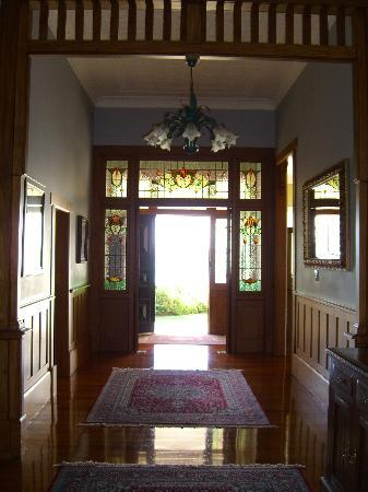 McHardy Lodge: Entry