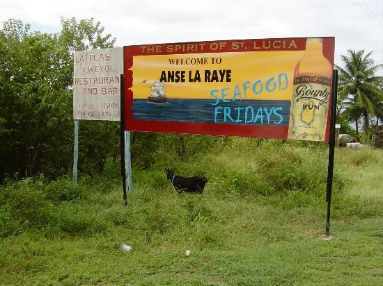 Villa Beach Cottages: Fish Friday at Anse la Raye