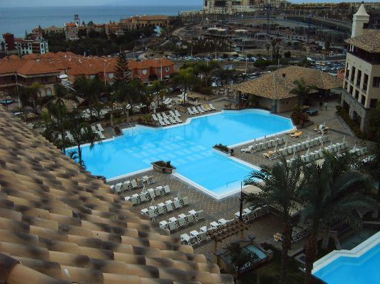 GF Gran Costa Adeje: Swimming pool (cold)