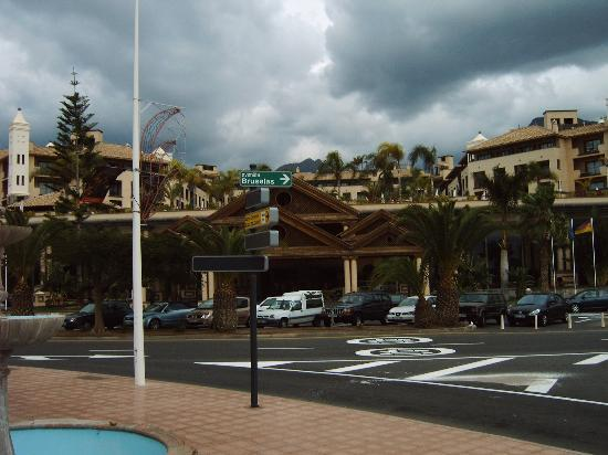 GF Gran Costa Adeje: View from the front