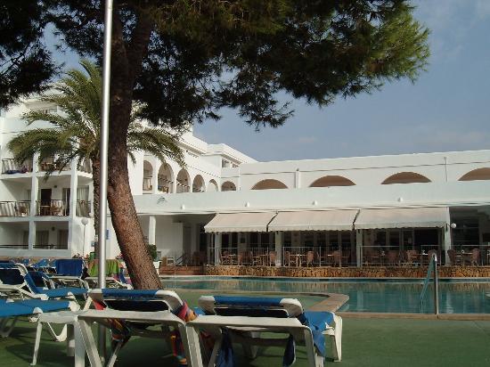 Apartamentos Cala d'Or Playa: view of pool area