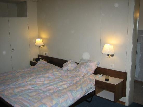 Residence Brunner: Brunner Hotel Room 33. So cosy :-)