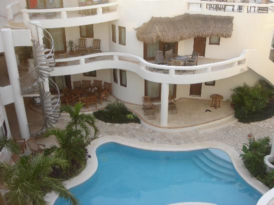 Blue Parrot Suites: Our Balcony and Courtyard