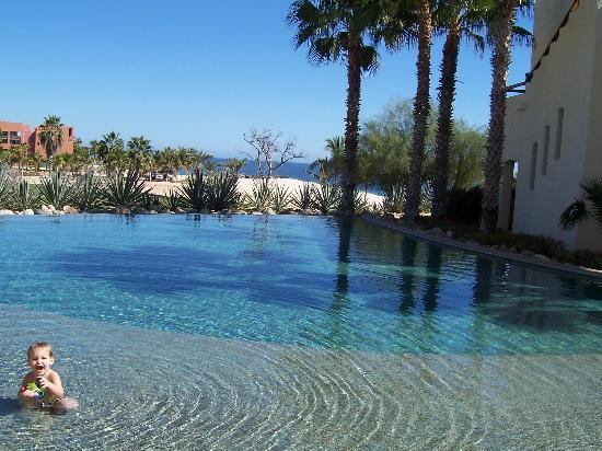 Las Ventanas al Paraiso, A Rosewood Resort: The pool next to our villa