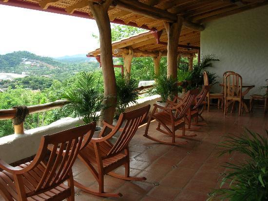 Pelican Eyes Resort & Spa: Porch of villa at Piedras y Olas