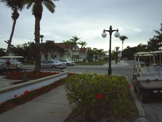 Gasparilla Inn & Club: Outer Cottages