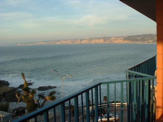 La Jolla Cove Hotel & Suites: another balcony view