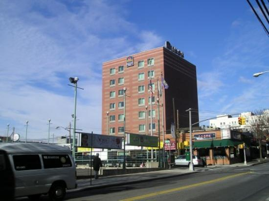 Best Western Queens Court Hotel: Great Location,Great People.