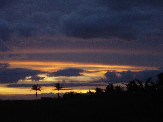 Hotel Las Olas Beach Resort : Sunset in July