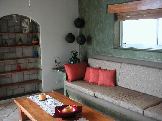 Villa Bella Bed and Breakfast Inn: Open Air Living Room