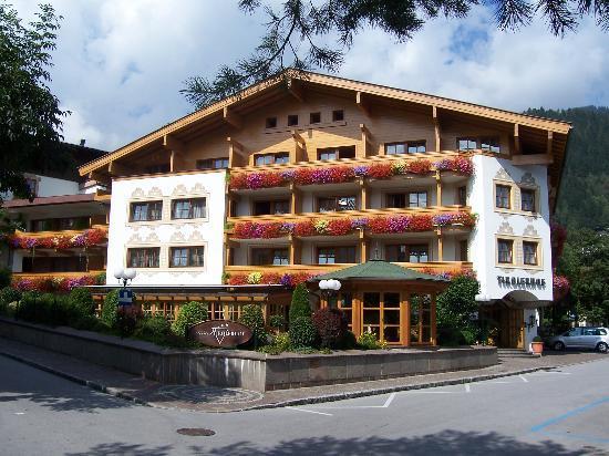 Front enternce of Hotel Tirolerhof