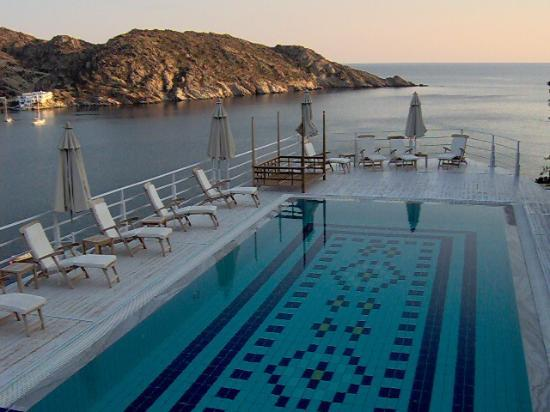 Ios Palace Hotel: One of the pools