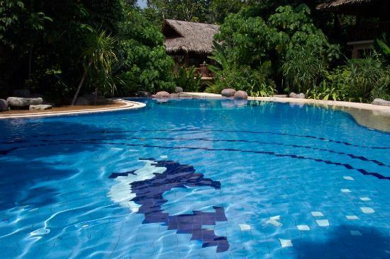 Somkiet Buri Resort: Glorious pool - warm and inviting