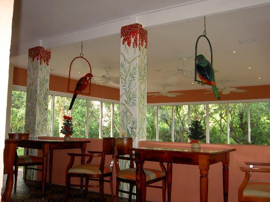 Royal Palms Hotel: Another view of the breakfast room.