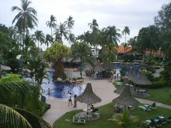 Golden Sands Resort by Shangri-La : The view from our balcony