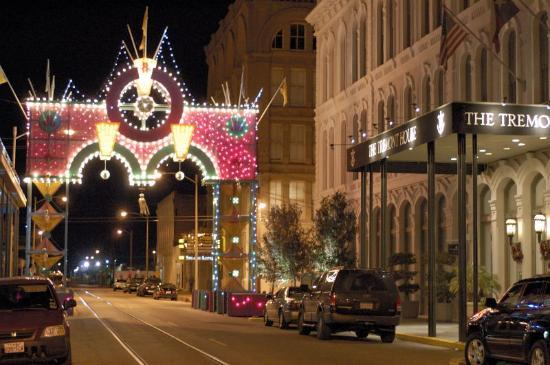 Lights in the Strand District - Picture