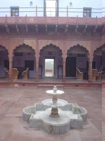 Chandra Mahal Haveli: The central courtyard at Chandra Mahel Haveli