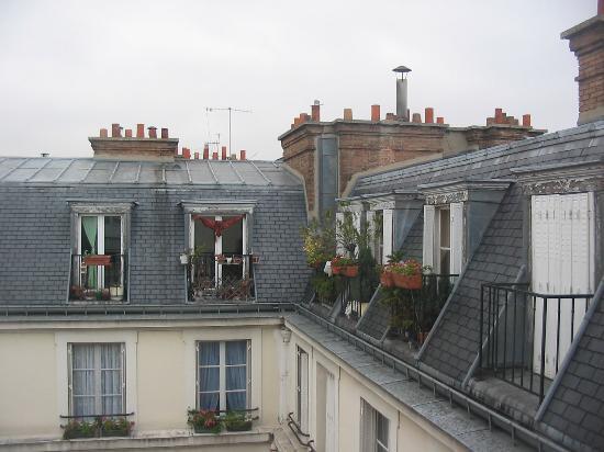 Hotel Bellevue et du Chariot d'Or : The courtyard