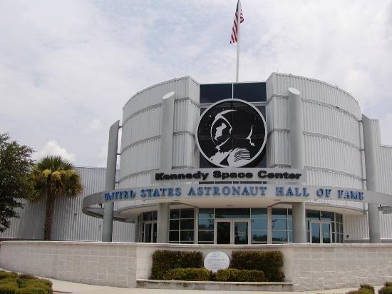‪فلوريدا: ASTRONAUT HALL OF FAME‬