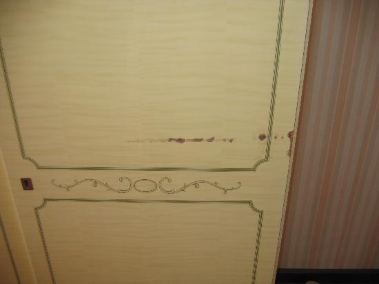Altwienerhof: Scarred, cheap armoir