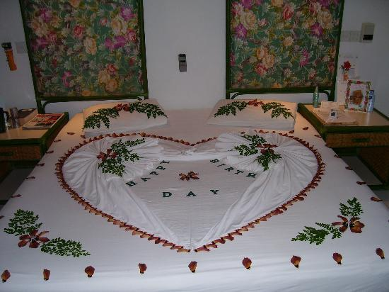 Lily Beach Resort & Spa: Decorted bed for birthday
