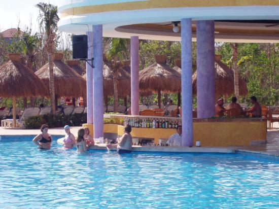 Iberostar Paraiso Beach : pool bar