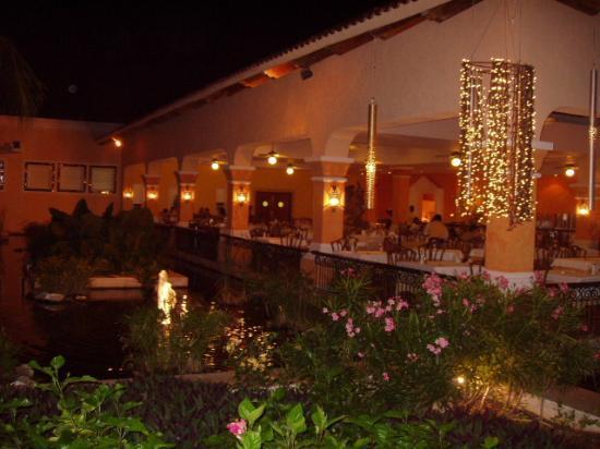 Iberostar Paraiso Beach : buffet restaurnat (breakfast, lunch, dinner)