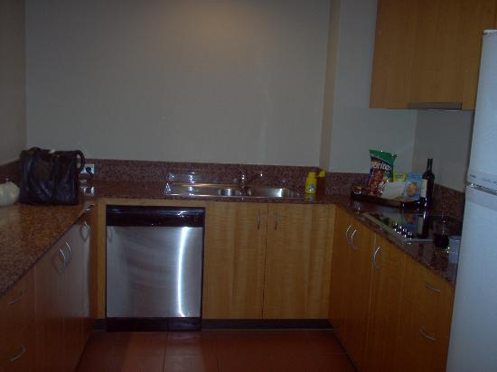 Astral Tower and Residences: Kitchen