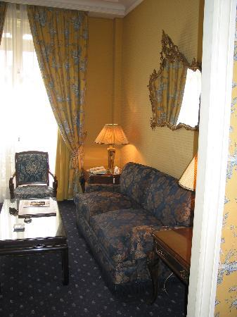 Hotel San Regis: Sitting Room