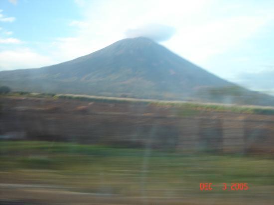 San Salvador, El Salvador: San Miguel Volcano