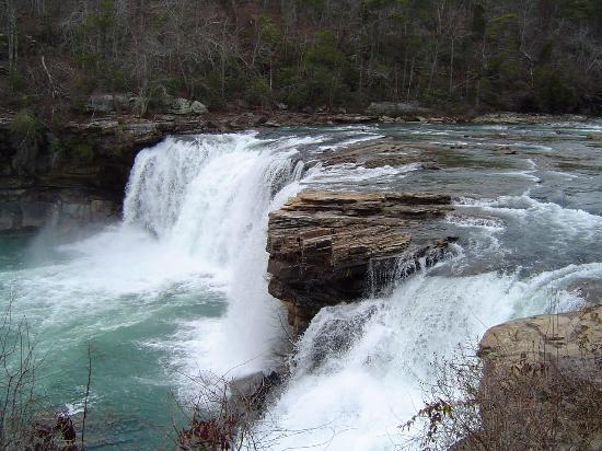Fort Payne, AL: Little River Falls in full flow