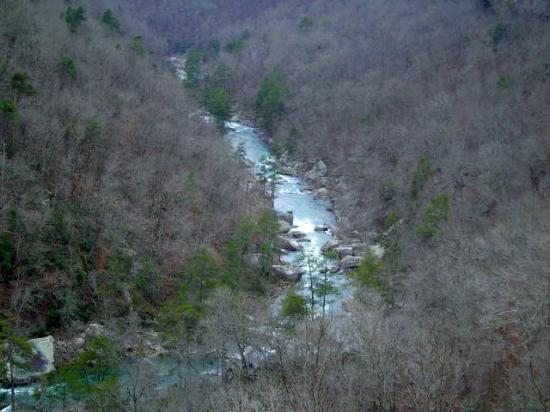 Little River Canyon National Preserve : Meandering Little River through the canyon