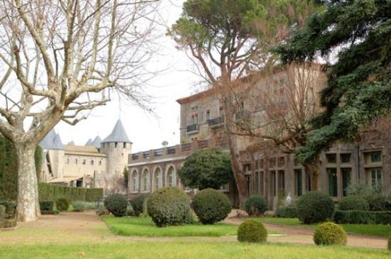 Hotel de la Cite Carcassonne - MGallery Collection : Part of the hotel gardens