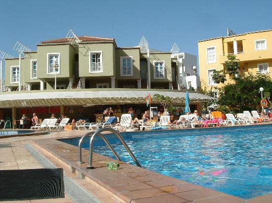 Orlando Club Resort: pool bar again