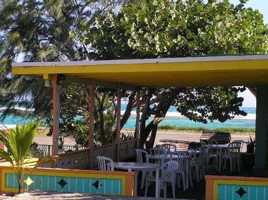 Virgin Gorda Village : Flying Iguana Restaurant nearby