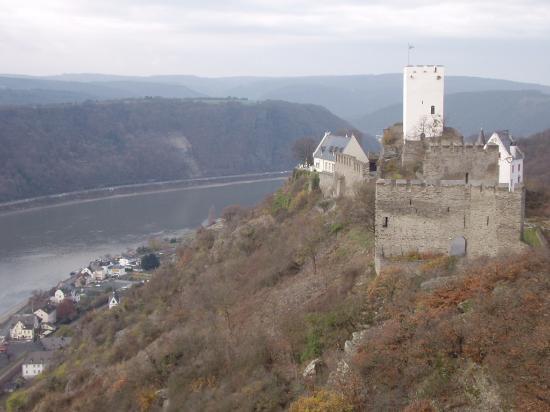 Hotel Castle Liebenstein: castle next door