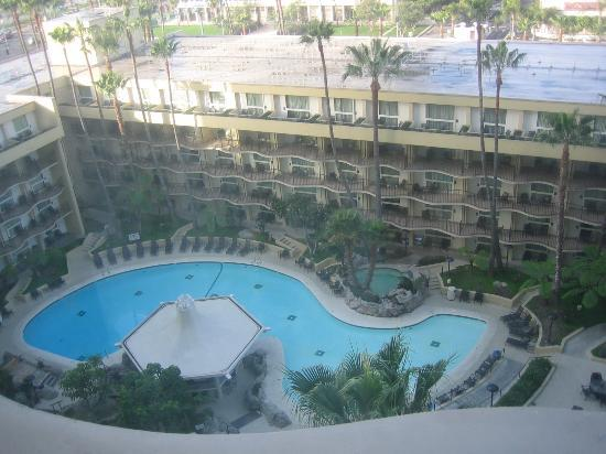 Los Angeles Airport Marriott: View from our room (11th floor)