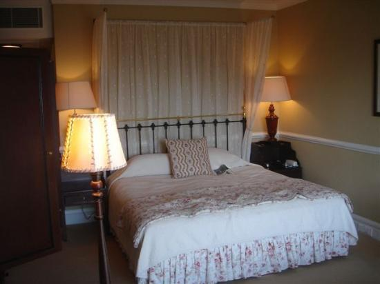 Lilianfels Resort & Spa - Blue Mountains: Our hotel room