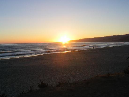 Jalama Beach County Park: sunset view